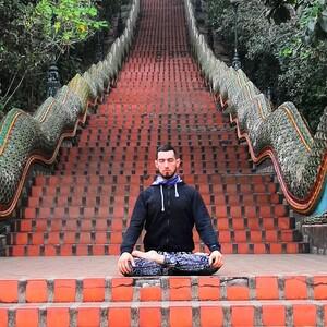 Каула-йога средний уровень с Гагиком Насибян / 1,5 часа